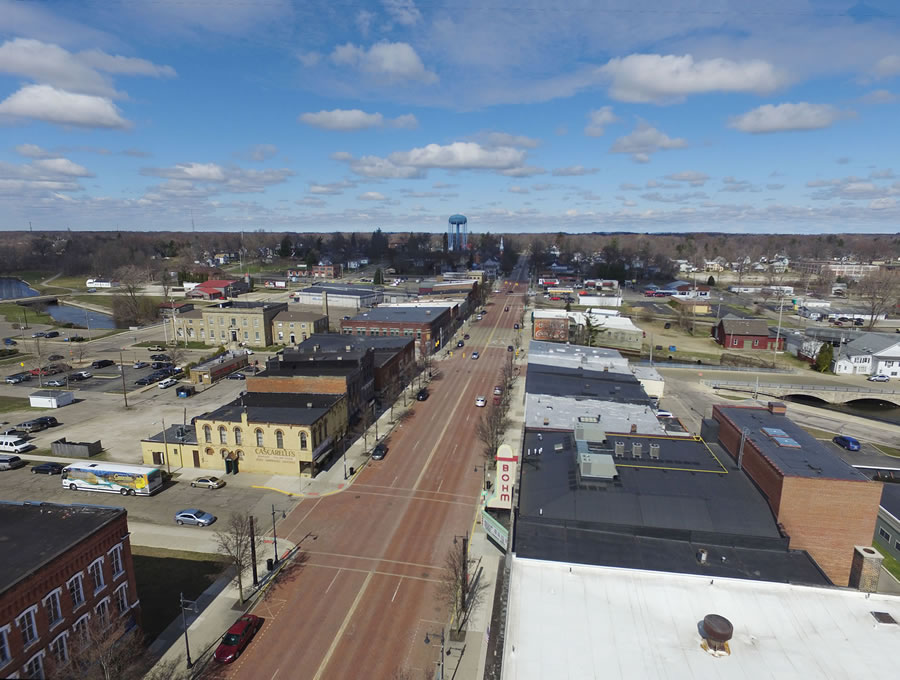 downtown_albion_michigan_aerial_view_prior_demolitions_2016_900pxt