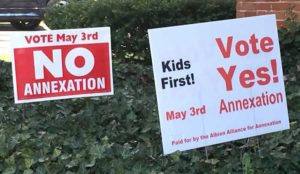 annexation_election_albion_michigan_signs_yes_no